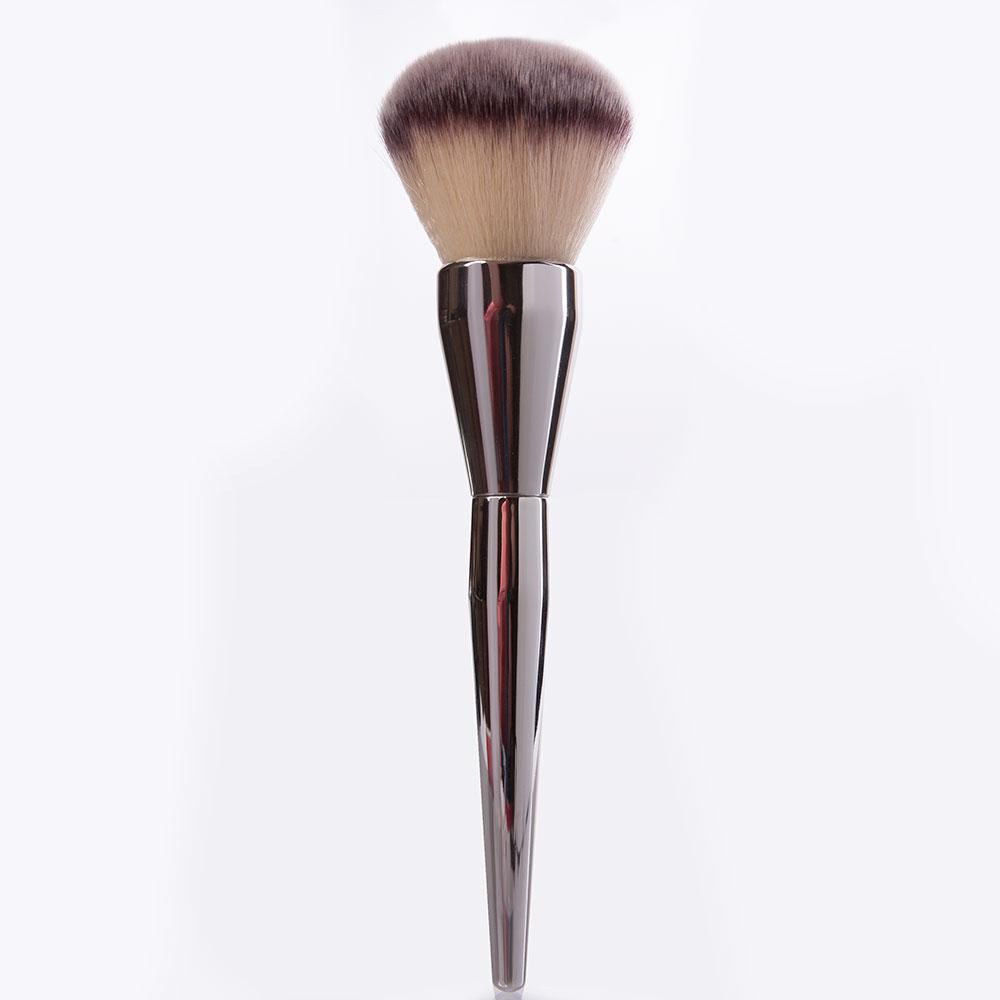 Купить Кисть для пудры на металлической ручке - Make Up Me K-42