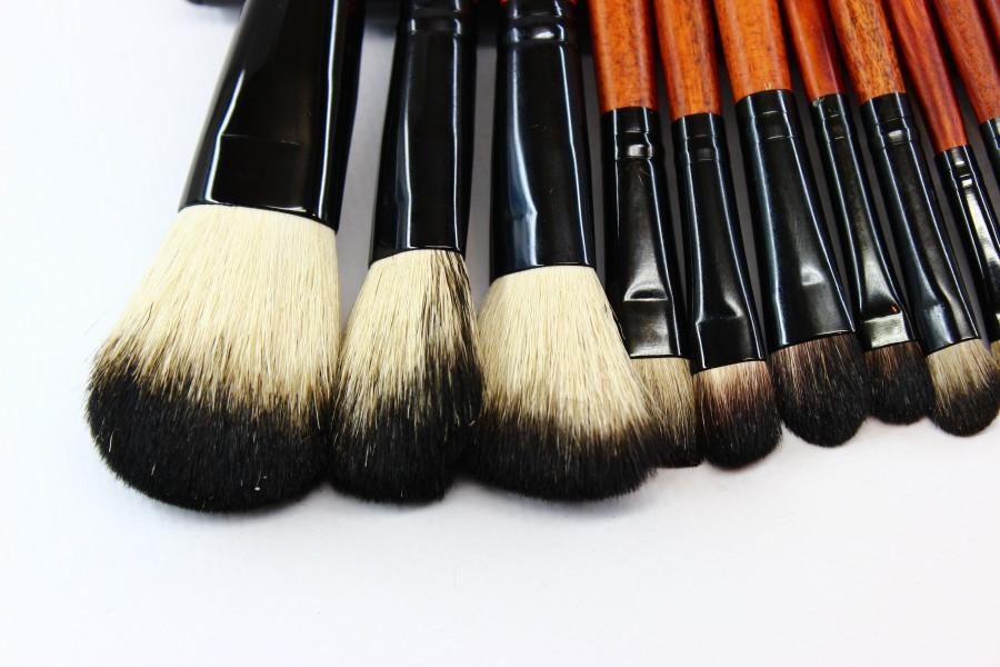 Натуральные кисточки для макияжа купить