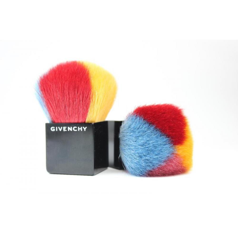 Купить Кисть Кабуки натуральная 4 цвета - Make Up Me Givenchy KAB-GIV